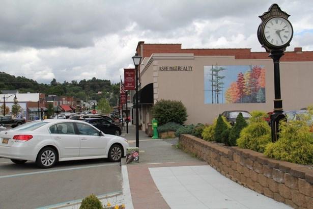 550 Hiram Bare, Laurel Springs, NC - USA (photo 1)