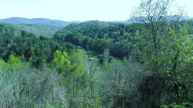 182 River Hills, Lansing, NC - USA (photo 2)