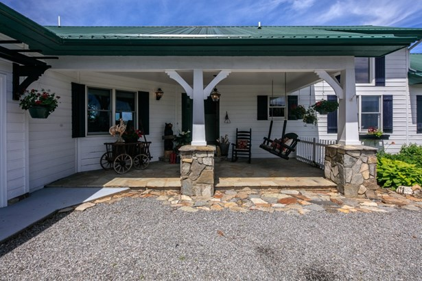 840 Chenault, Laurel Springs, NC - USA (photo 4)