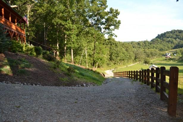 190 Rock Quarry, Elk Creek, VA - USA (photo 4)
