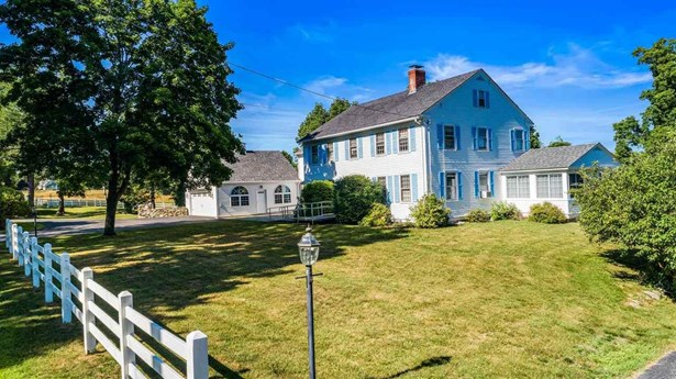 Colonial,Walkout Lower Level, Single Family - Peterborough, NH