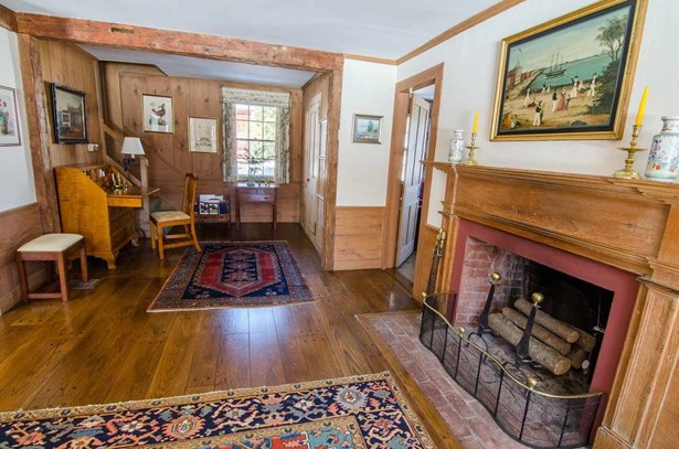 Antique,Colonial,Historic Vintage,New Englander,w/Addition,Walkout Lower Level - Single Family (photo 4)