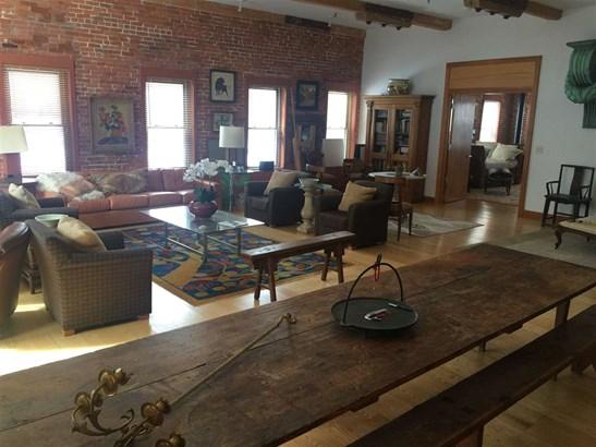 Condo - Antique,Conversion,End Unit,Historic Vintage,New Englander,Arts and Crafts (photo 1)
