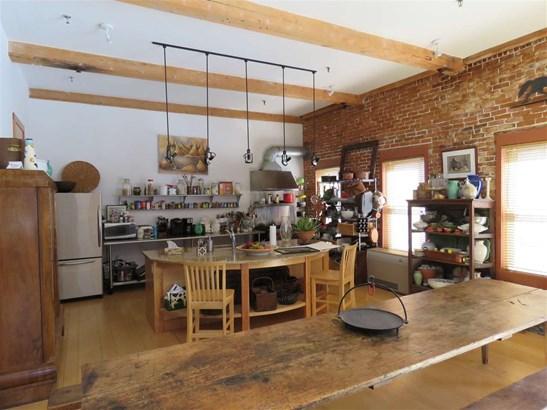 Condo - Antique,Conversion,End Unit,Historic Vintage,New Englander,Arts and Crafts (photo 3)