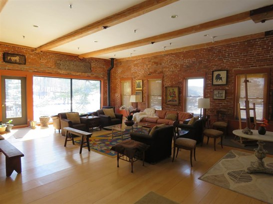 Condo - Antique,Conversion,End Unit,Historic Vintage,New Englander,Arts and Crafts (photo 4)