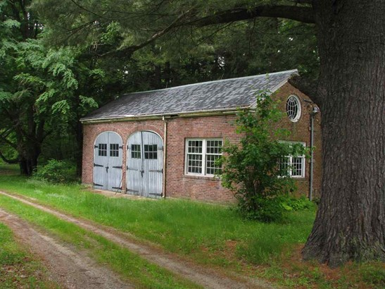 Colonial, Single Family - Wilton, NH (photo 4)