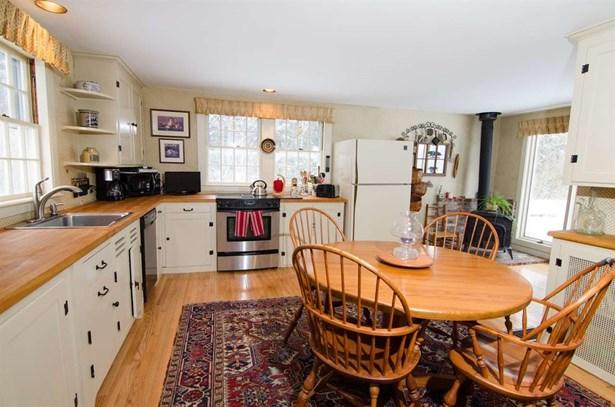 Colonial, Single Family - Peterborough, NH (photo 4)