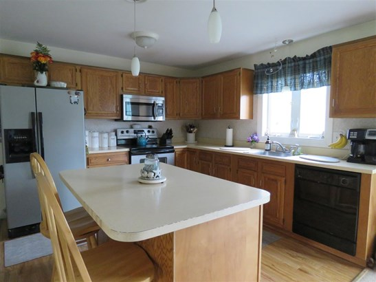 Townhouse, Condo - Milford, NH (photo 3)