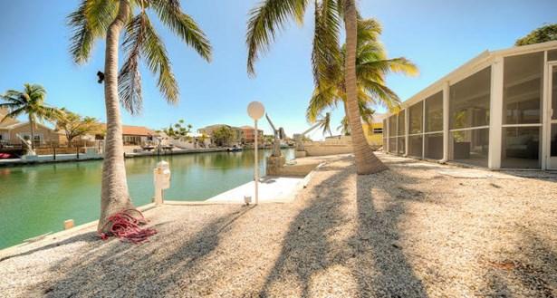 13 W Cypress Street, Key Haven, FL - USA (photo 2)