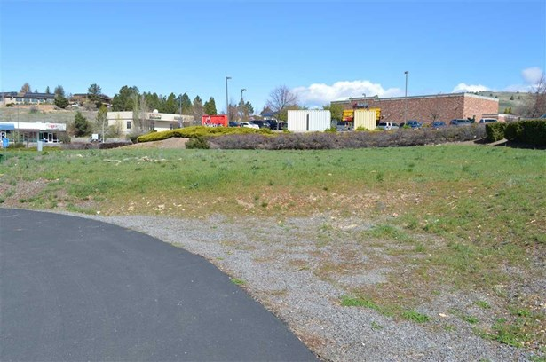 0 Lot 200 Campus, Klamath Falls, OR - USA (photo 1)