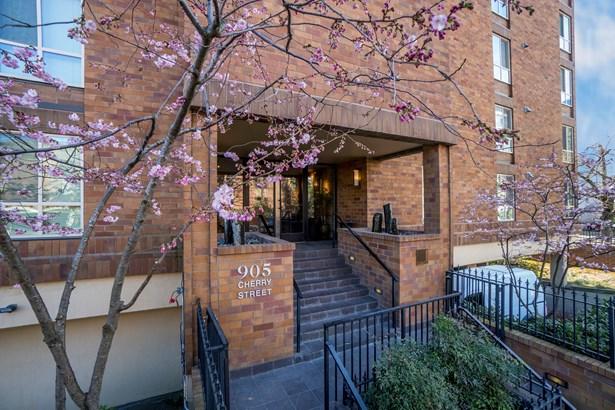905 Cherry St 104, Seattle, WA - USA (photo 1)
