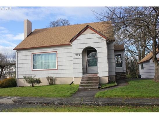 1070 Cowlitz St, St. Helens, OR - USA (photo 1)