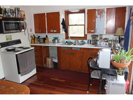 1070 Cowlitz St, St. Helens, OR - USA (photo 2)