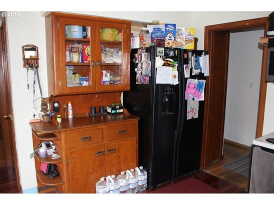 1070 Cowlitz St, St. Helens, OR - USA (photo 3)