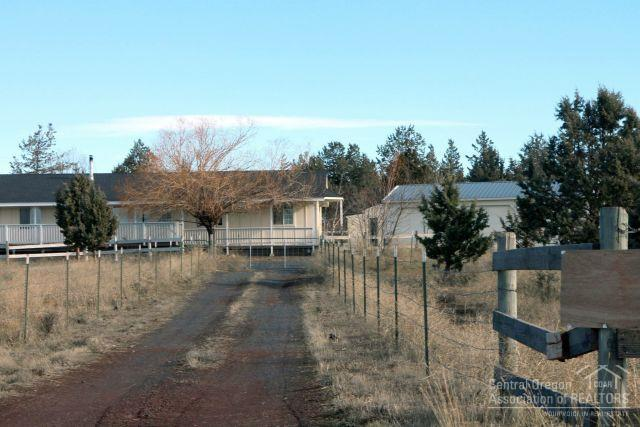 14075 Southwest Chickadee Road, Terrebonne, OR - USA (photo 3)