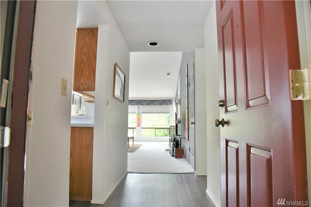 15165 Sunwood Blvd Cc31, Tukwila, WA - USA (photo 2)