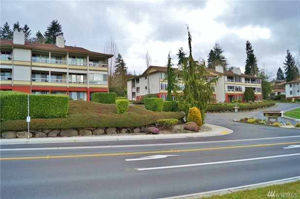 23501 Lakeview Dr D206, Mountlake Terrace, WA - USA (photo 2)