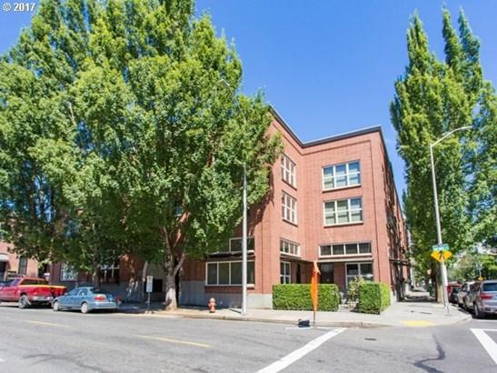 1009 Nw Hoyt St 104, Portland, OR - USA (photo 2)