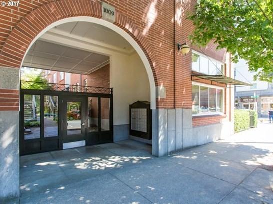 1009 Nw Hoyt St 104, Portland, OR - USA (photo 3)