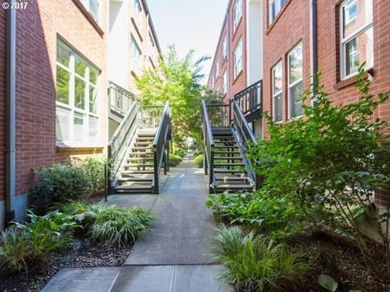 1009 Nw Hoyt St 104, Portland, OR - USA (photo 4)