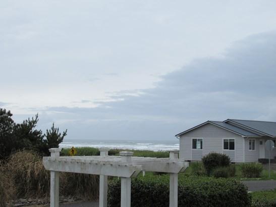 19 S First St 1, Pacific Beach, WA - USA (photo 4)