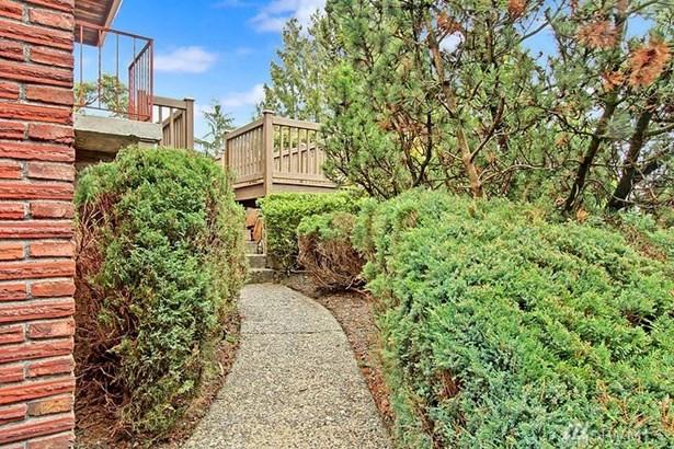 316 S 106th St, Seattle, WA - USA (photo 2)