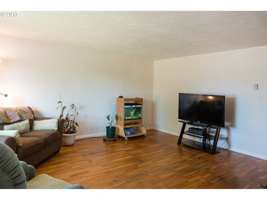 1056 Quinalt St, Springfield, OR - USA (photo 3)