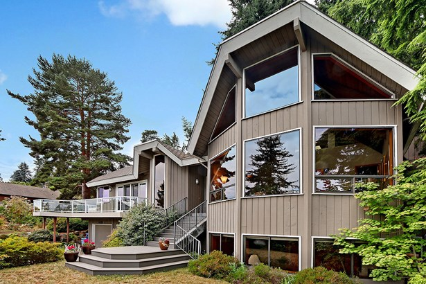 Custom NW Style Home (photo 1)