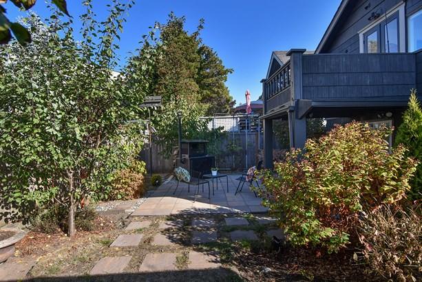 Yard & Patio (photo 4)
