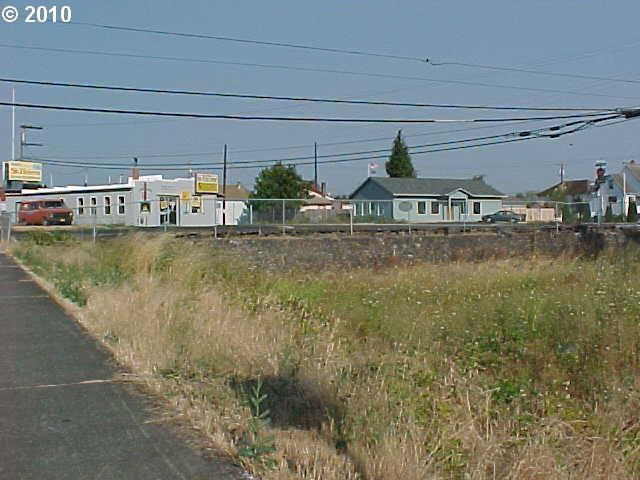 Columbia Blvd, St. Helens, OR - USA (photo 2)