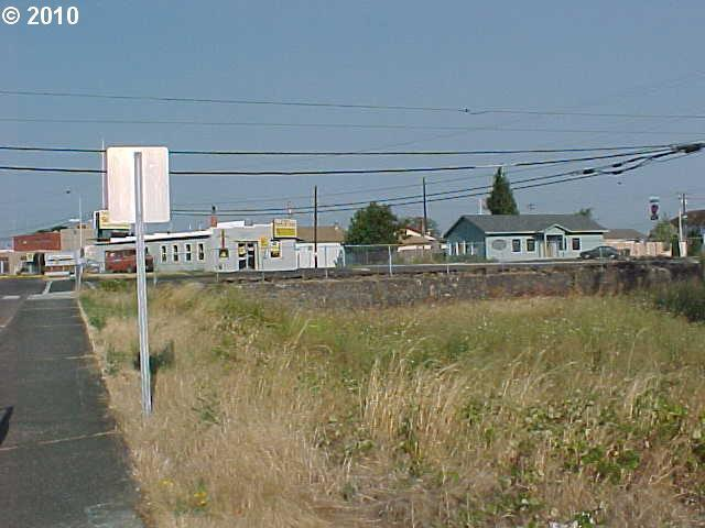 Columbia Blvd, St. Helens, OR - USA (photo 5)
