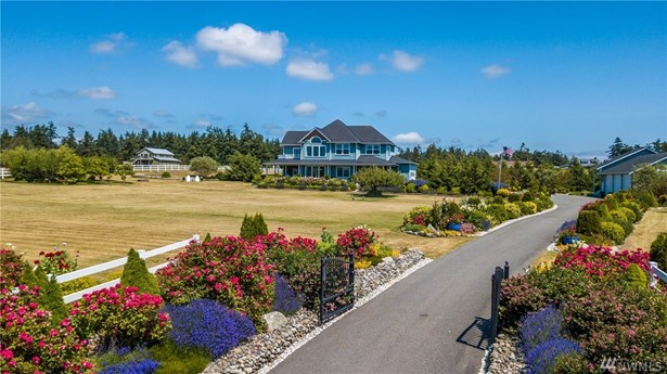 2838 Golf Course Rd, Oak Harbor, WA - USA (photo 1)