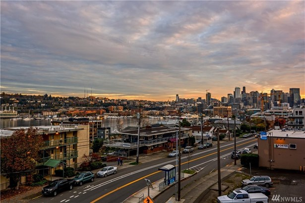 670 Howe St, Seattle, WA - USA (photo 3)