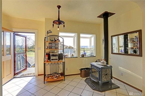 4204 Pioneer Hwy, Stanwood, WA - USA (photo 5)
