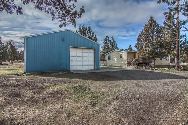 7495 Southwest Sparrow Drive, Terrebonne, OR - USA (photo 2)