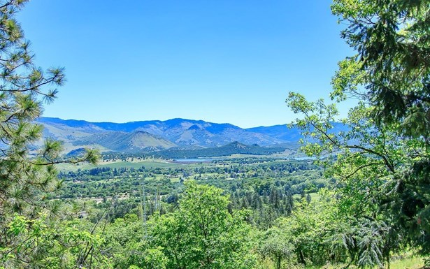 707 Timberlake Drive, Ashland, OR - USA (photo 2)