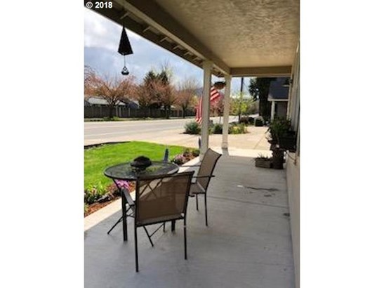 812 S 32nd St, Springfield, OR - USA (photo 2)
