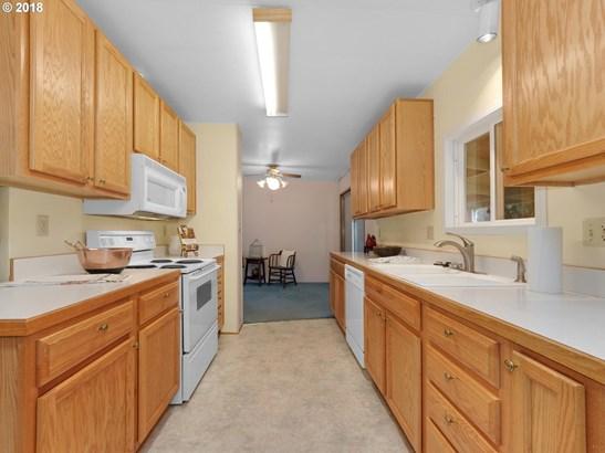 904 Dartmouth St, Newberg, OR - USA (photo 5)