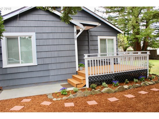 438 D St, Creswell, OR - USA (photo 4)