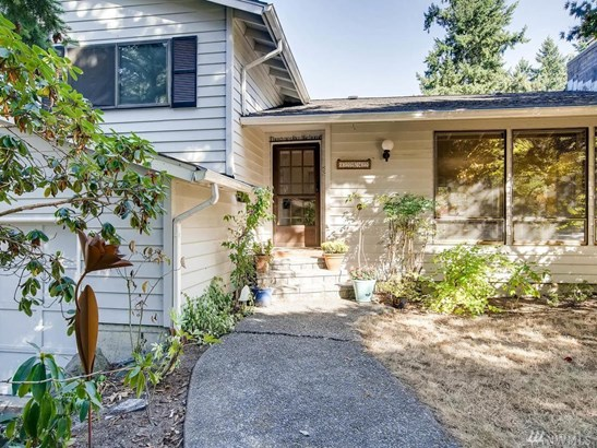 12542 12th Ave Ne, Seattle, WA - USA (photo 3)