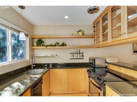 1300 Ne 68th Ave 14, Portland, OR - USA (photo 3)