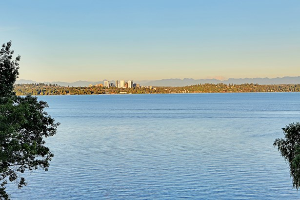 654 Wellington Ave, Seattle, WA - USA (photo 2)