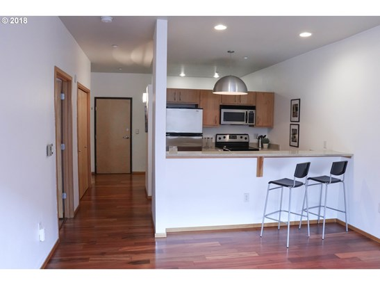 1125 Nw 9th Ave 203, Portland, OR - USA (photo 3)