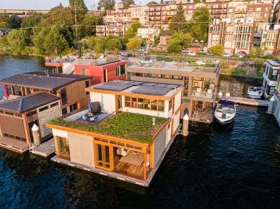 Premier Floating Home