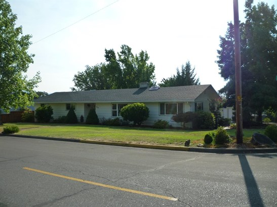 816 Ne Piedmont Avenue, Grants Pass, OR - USA (photo 1)