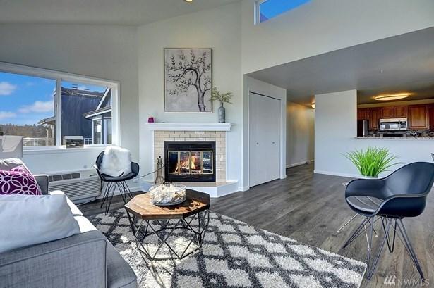 7111 Linden Ave N 401, Seattle, WA - USA (photo 3)