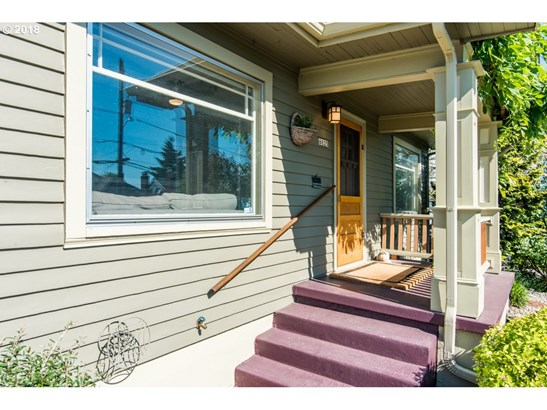 6825 N Commercial Ave, Portland, OR - USA (photo 3)