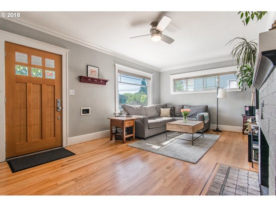 6825 N Commercial Ave, Portland, OR - USA (photo 4)