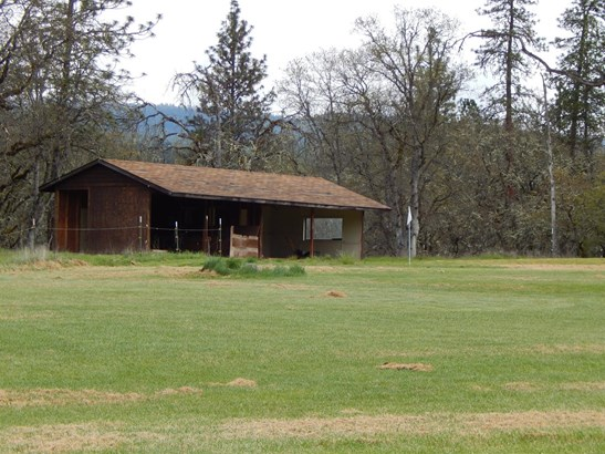 9655 Highway 140, Eagle Point, OR - USA (photo 5)