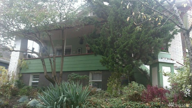5833 Woodlawn Ave N Main, Seattle, WA - USA (photo 1)